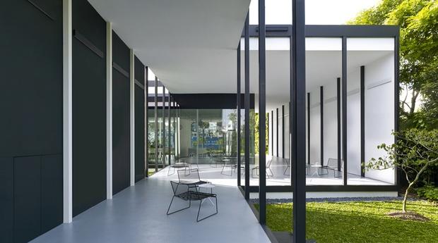 Black & White Gallery 6