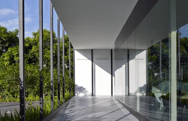 Black & White Gallery 4